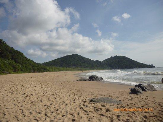 Buraco Beach: Linda paisagem!!