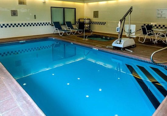 Saint Robert, MO: Indoor Pool