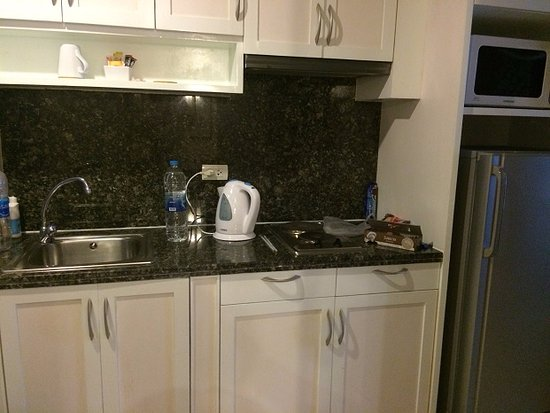 Admiral Premier Bangkok by Compass Hospitality: Kitchenette