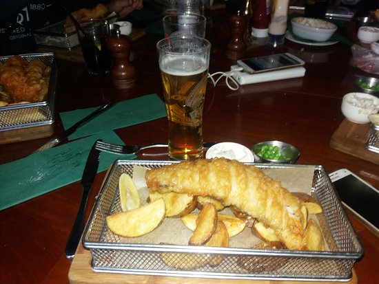 Marquis of Westminster : fish and chips + Hlf Adnams Dry Hopped Lager