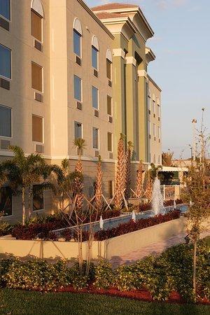 Wellington, Флорида: Hotel Exterior
