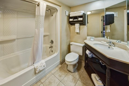 คลาร์กสวิลล์, อาร์คันซอ: King Double Bathroom