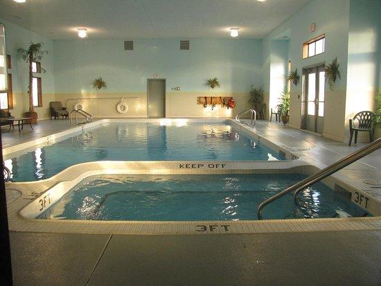 Birch Run, MI: Hot Tub