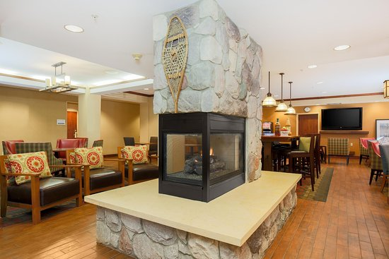 Hampton Inn Anchorage: Lobby