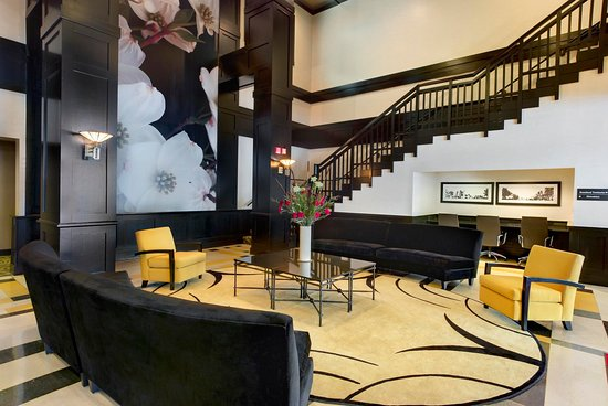 Hampton Inn & Suites Chicago - Downtown: Hotel Lobby