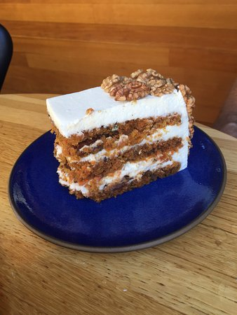 R+D Kitchen: Carrot Cake with Marscopone Frosting - worth the taste!