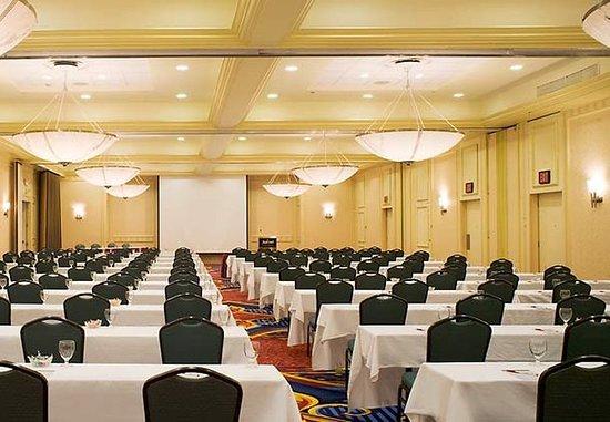 Saddle Brook, NJ: Meeting Room