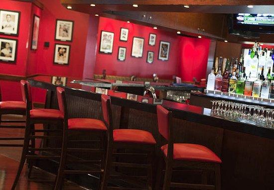 Uniondale, NY: Champions Sports Bar