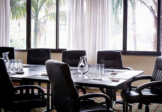 Irvine Marriott: Executive Boardroom