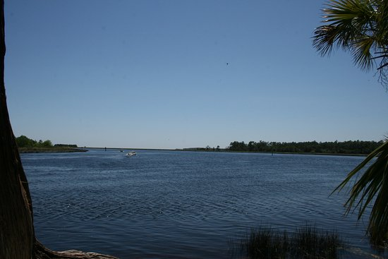 Saint Marks, Floride : The St. Marks River (left) meets the Wakulla River (right) at the park.