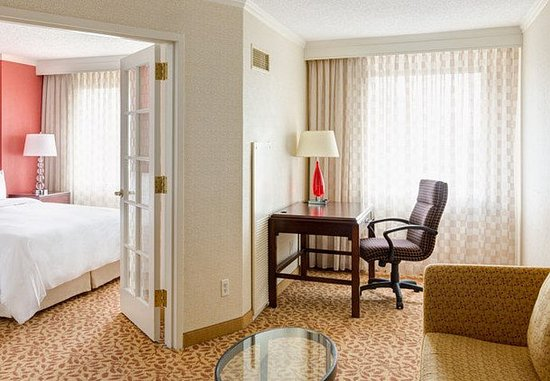 Bethesda, MD: One Bedroom Suite