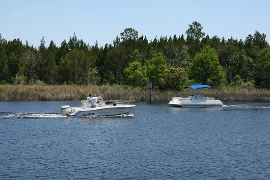 Saint Marks, Floride : Boats on the St. Marks River.