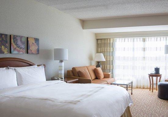 Dallas Marriott Las Colinas: King Guest Room