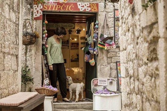 Gift Shop Baba