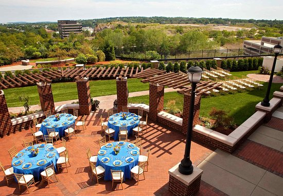 Quincy, MA: Outdoor Terrace