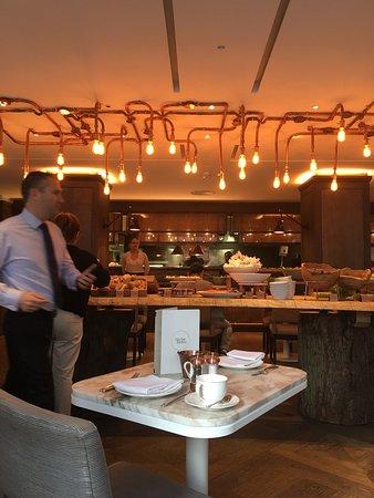 โรงแรมเดอะเมย์แฟร์: Fotos de mi habitacion y desayuno.