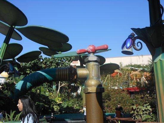 Disney's California Adventure: BUGS LAND