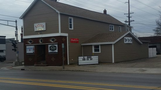 Alpena, MI: Naylor's 10th Avenue Bar and Grill