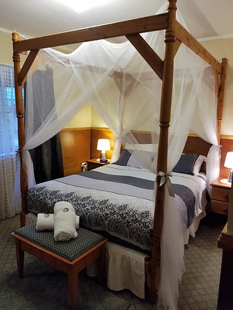 Murray Gardens Motel & Cottages: Cottage 3. Need a little Romance?