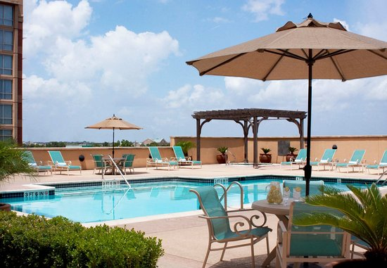 Sugar Land, TX: Outdoor Pool