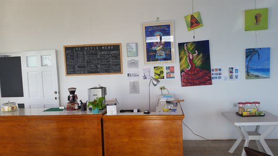 Newcastle, île de Nevis : Checkout counter/ local artwork