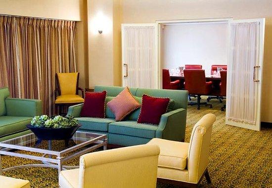 Phoenix Marriott Mesa: Sedona Suite