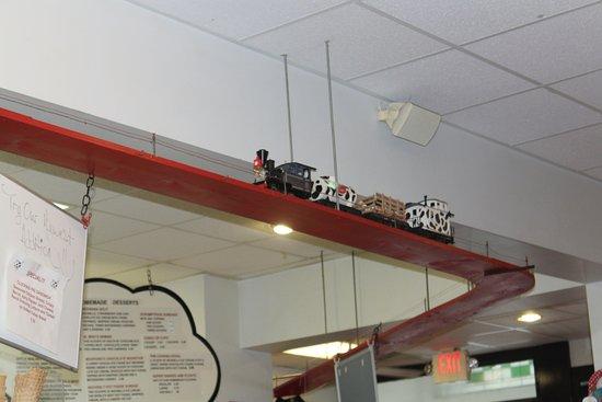 Cow Cafe: Moo-Choos Chugs Along