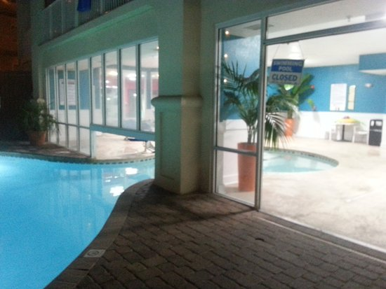 Hilton Garden Inn Orange Beach : Excellent king room, direct beach access with morning dolphins, fabulous service with kind peopl