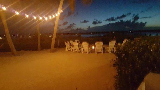 Coconut Palm Inn: 20160718_205705_large.jpg