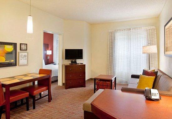 ริดจ์แลนด์, มิซซิสซิปปี้: One-Bedroom Suite – Living Area
