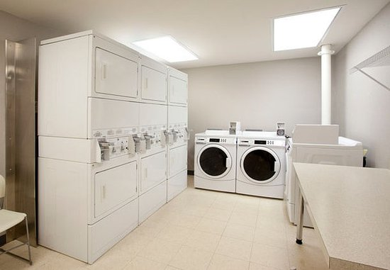 Ridgeland, MS: Guest Laundry