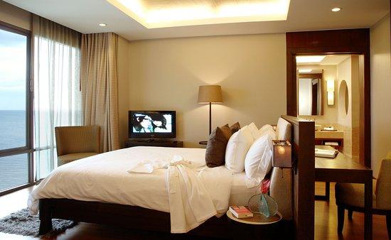 Laem Set, Thailand: BEDROOM