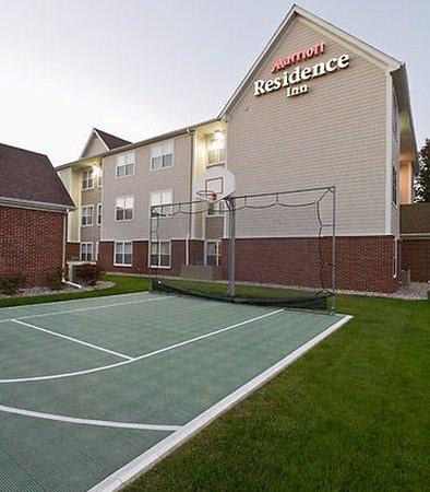 Appleton, WI: Sport Court