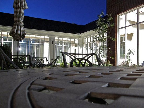 Lewis Center, OH: night at small courtyard area near the dining hall