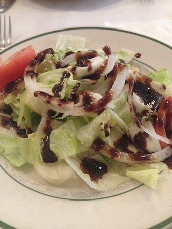 Amici II: salada acompanha o prato