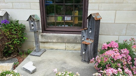 Mitchell, IN: Spring Mill Bird Houses
