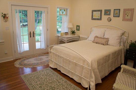 Alexandra's House: Emma room