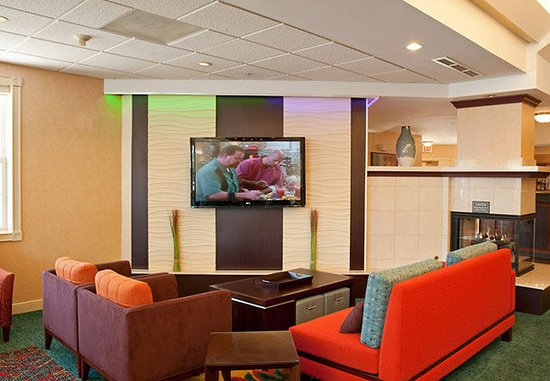 Grandville, MI: Lobby Seating Area
