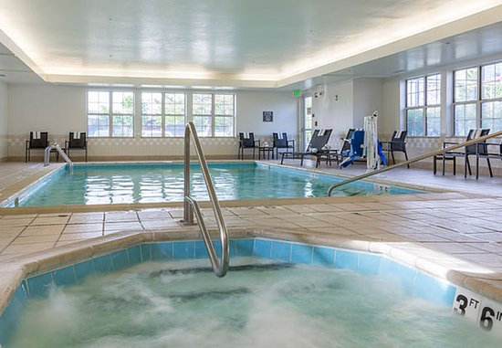 Olathe, KS: Indoor Whirlpool