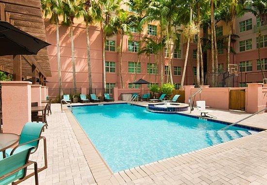 Мирамар, Флорида: Outdoor Pool