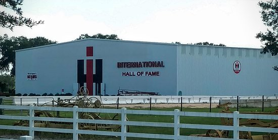 Leesburg, FL: International Tractor Hall of Fame