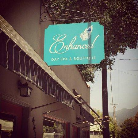 Ojai, Californie : Enhanced signage