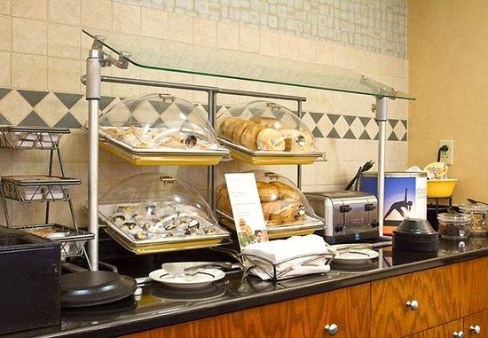 Huntersville, Carolina del Nord: Breakfast Buffet