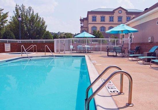 Huntersville, Carolina del Nord: Outdoor Pool