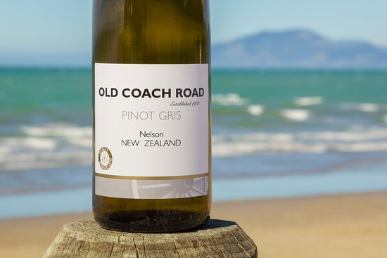 Appleby, Yeni Zelanda: Old Coach Road - produced and bottled by Seifried Estate.  This is a range of wine perfect for a