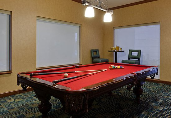 Warrenville, IL: Billiards Room