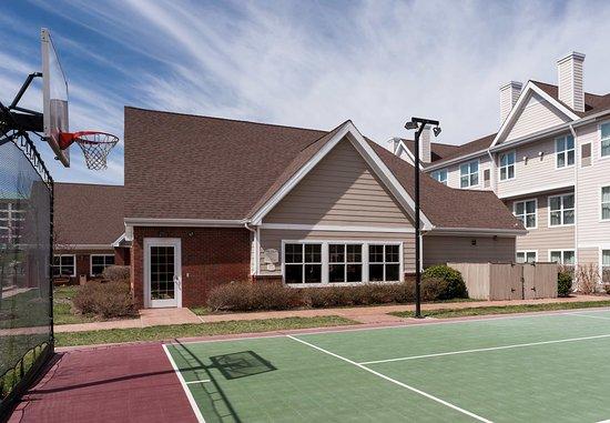 Manassas, VA: Sport Court