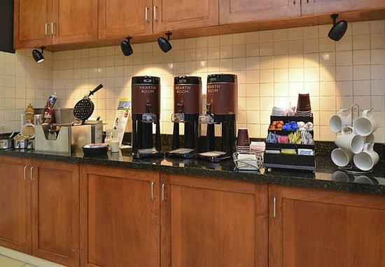 Aurora, CO: Breakfast Buffet