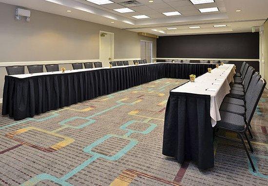 Aurora, CO: Meeting Room – U-Shape Setup