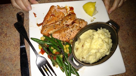 Mahi Mah S Seafood Restaurant Salmon Dinner